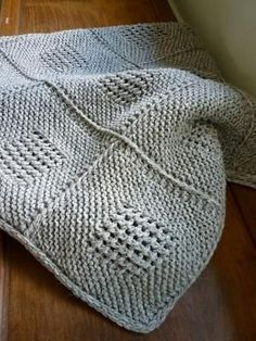 Ravelry: eLoomanator's Diagonal Knit Dishcloth pattern by Jana Trent I can see this as a baby blanket pattern. by ingrid #dishclothknittingpatterns