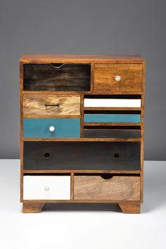 Tässä lipastossa yhdistyy vanha ja uusi. Laatikosto on saanut inspiraationsa 50 luvun Pariisin kirpputoreilta. 10 kätevää laatikkoa.