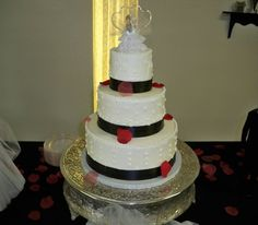 Red and Black Wedding Cakes | ... _modulescopperminealbumsuserpics68259red_and_black_wedding.jpeg