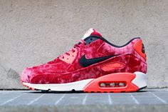 """Springin' In Style! The Nike Air Max 90 """"Anniversary"""" Pack Tubular Runner, Air Max Sneakers, Sneakers Nike, Nike Air Max 90s, Air Max Day, Summer Lookbook, Hot Shoes, Sneakers Fashion, Nike Free"""