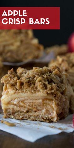 Apple Crisp Bars - Garnish with Lemon These Apple Crisp Bars have all the flavor of our favorite fall dessert in portable form.These Apple Crisp Bars have all the flavor of our favorite fall dessert in portable form. Diy Dessert, Dessert Bars, Apple Crisp Easy, Apple Crisp Recipes, Apple Dessert Recipes, Apple Baking Recipes, Apple Crisp Bars Recipe, Apple Crisp Without Oats, Apple Crisp Pie