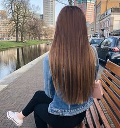 Dark Brown Hair with Cinnamon Balayage - 20 Must-Try Subtle Balayage Hairstyles - The Trending Hairstyle Hair Color Caramel, Ombre Hair Color, Haircuts For Long Hair, Straight Hairstyles, Short Hair, Coiffure Hair, Hair Updo, Trending Hairstyles, Brunette Hair