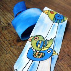 Malovaná kravata pro originální muže ptačí Materiál: 100 % hedvábí, klasický střih Krásný dárek Pro každého muže, jedinečným dolpňkem. Tato kravata ihned k odběru :) Nebude se opakovat.