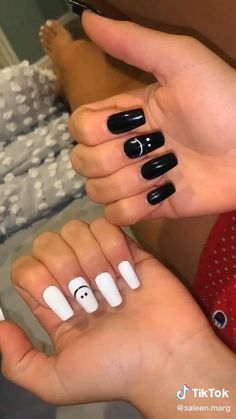 Black Acrylic Nails, Simple Acrylic Nails, Halloween Acrylic Nails, Best Acrylic Nails, Matte Pink Nails, Simple Nails, Yellow Nails, Black White Nails, Summer Acrylic Nails