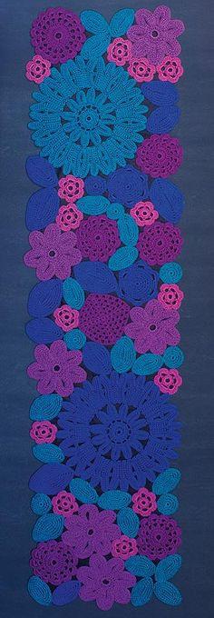Paola Lenti | Crochet Rug, design: Patricia Urquiola and Eliana Gerotto.