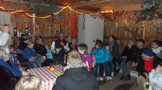 Tijdens de kerstwandeling worden er gedichten voorgedragen door opoe Nel, daarnaast krijgt u een gratis drankje