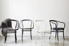 Chair No 30 Wienerstuhl | Nyheter | Artilleriet | Inredning Göteborg Ton Chair, Kitchen Dining, Dining Room, Scandi Home, Dining Table Chairs, Sweet Home, Art Deco, Wimbledon, Dreams