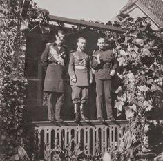 Left to right: Grand Duke Kirill Vladimirovich, Tsar Nicholas II (Nicky), Empress Alexandra Feodorovna (Alix), Grand Duke Ernst Ludwig of...