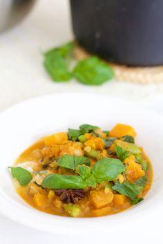 Wonderful indian pumpkin stew is full of spices, flavors and has the perfect rich consistency... Ihanan maukas kurpitsapata on täynnä mausteita ja täyteläisyyttä.