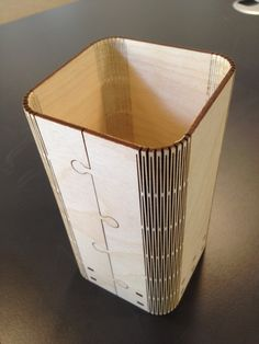 Living hinges wooden pen box