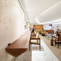 The Emiliano Hotel arrives at Rio de Janeiro, and like the one from São Paulo, it bares the signature of Arthur Casas Studio with an initial. Rio Hotel, Hotel Lobby, Hunter Douglas, Studio Arthur Casas, Hotels, Facade Design, Best Interior, Terrazzo, Interiores Design