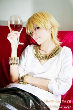 I don't want to be Gilgamesh when I grow up. He's an ass hole :/ :D