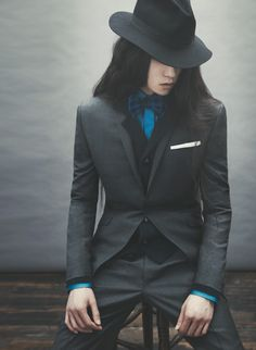 Ozwald Boateng AW 12 Can't decide if I like the clothes or the picture. Probably both.