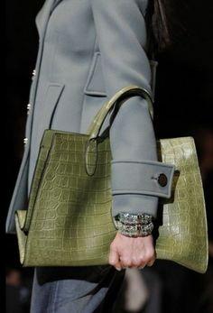 Gucci Borse autunno inverno 2014 2015  #gucci #borse #bags #purses #borsedonna #moda2014 #fashion #autunnoinverno #autumnwinter #autumnwinter2015 #autunnoinverno20142015