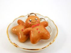 Christmas time is one of the best times of the year to wear fun jewelry! These little gingerbread men earrings are a perfect compliment to the joy