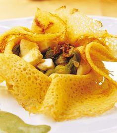 Crepas de flor de calabaza en salsa poblana