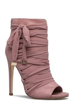 See the latest trendy shoes & boots for women right here by shopping new arrivals from ShoeDazzle. Featuring wedges, sandals, boots, booties, flats and many more styles. Dream Shoes, Crazy Shoes, Me Too Shoes, Heeled Boots, Bootie Boots, Shoe Boots, Women's Boots, Pretty Shoes, Beautiful Shoes