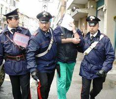 Campania: #Decapitato il #clan Puca otto arresti eccellenti (link: http://ift.tt/2nvaYkZ )