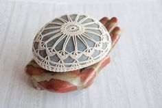 Crochet Stone Pattern DIY Lace Stone Cover by TableTopJewels
