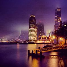 Hotel New York Rotterdam by night