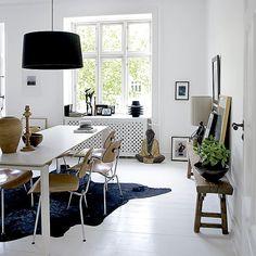 Grandes janelas para receber muita luz natural são marcas desse estilo!