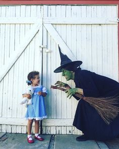 I'll get you my pretty...when dad is the Wicked Witch she's not *that* scary.  happy Halloween friends!! ✨✳️