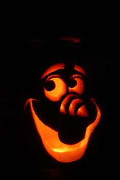 Halloween Bugs About A Bee! Frozen Pumpkin Carving, Olaf Pumpkin, Halloween Pumpkin Carving Stencils, Pumpkin Painting, Pumpkin Ideas, Pumpkin Carving Patterns, Pumpkin Carvings, Spooky Pumpkin, Olaf Halloween