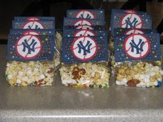baseball snacks for Asher's baseball team! its my turn and I think these will be perfect. (changing it to dodgers of course!!!)