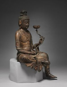 A Bosatsu (Bodhisattva in Sanskrit) is a being that has attained enlightenment but has compassionately refrained from entering nirvana in order to save others. As an attendant of Buddha, Bosatsu Buddha Life, Buddha Art, Bronze Sculpture, Sculpture Art, Kamakura Period, Divine Mother, Mother Mary, 17th Century Art, Old Cemeteries