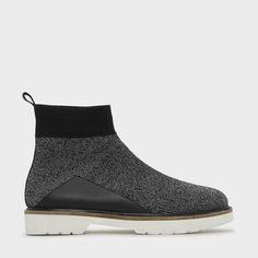 KNITTED TEXTURED ANKLE BOOTS