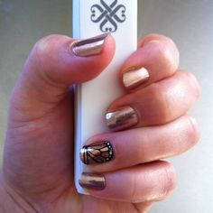 Rose Gold ,  Butterfly Effect Jamberry manicure