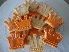 Three Kings Day / Dia de los Reyes -- decorated crown cookie idea                                                                                                                                                                                 More
