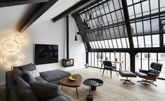 Paris' Hôtel du Ministère has just added a new penthouse apartment to its offering. Evocatively named La Tête dans les Étoiles - 'head amongst the stars' in English - its name becomes evident once you step into the roomy south-west facing living ...