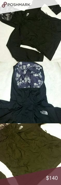 "The North Face Woman's Varius Jacket Size Medium Like NEW! Perfect for cold months. Approximate Measurements : Underarms - 20.5"" Length - 24.5"" Waist - 19.5"" Adjustable velcro at the wrists  Outer pockets : 3 Inner pockets : 1 The North Face Jackets & Coats"