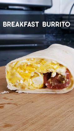 Breakfast Sandwich Recipes, Vegetarian Breakfast, Breakfast Burritos, Vegetarian Recipes, Cooking Recipes, Healthy Burritos, Healthy Snacks, Pastel Cakes, Food Plan