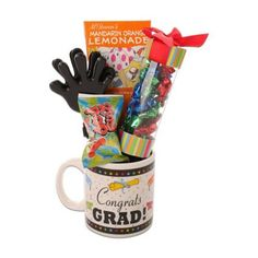 Help your graduate celebrate one of the biggest milestones of their life by sending them the Graduation Gift Mug from Alder Creek. Best Gifts For Her, Gifts For Your Mom, Gifts In A Mug, Mother's Day Gift Baskets, Gourmet Gift Baskets, 16th Birthday Gifts, Birthday Gifts For Girls, Sweet Sixteen Gifts, First Mothers Day Gifts