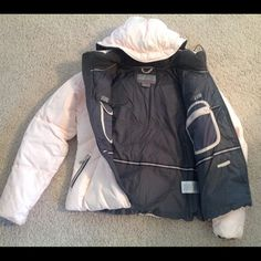 Nike Winter-spring jacket. Fits 6/8 Super warm. Inside and out pockets. Zip on/off hood. Nike Jackets & Coats Puffers