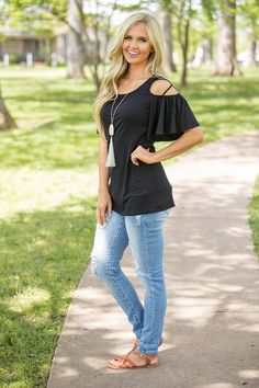 Make my heart flutter blouse black - the pink lily black tshirt outfit, blue shirt Outfits For Teens, Trendy Outfits, Cool Outfits, Denim Outfits, Summer Outfits, Black Tshirt Outfit, Black Blouse, Classy Street Style, Heart Flutter