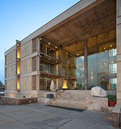 Wolkem Office Building / Vir.Mueller Architects