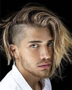 The best haircuts for men are constantly changing. And with so many new fresh men's hairstyles in it can be hard to decide which cuts. Trendy Mens Hairstyles, Side Part Hairstyles, Cool Haircuts, Haircuts For Men, 2018 Haircuts, Medium Hairstyle, Hairstyle Men, Undercut Long Hair, Undercut Hairstyles