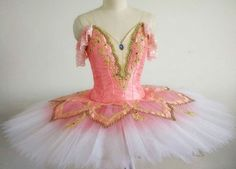 Dancewear by Patricia is the ultimate on-line ballet store. Offering professional tutus, exclusive ballet costume designs, head-pieces and selected accessories. Tutu Costumes, Ballet Costumes, Doll Costume, Carnival Costumes, Costume Ideas, Ballerina Tutu, Ballet Tutu, Bolshoi Ballet, Tutu Women
