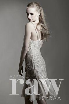 model hair wet look Wet Look, Prom Dresses, Formal Dresses, Model, Hair, Fashion, Dresses For Formal, Moda