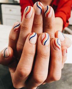 Striped mani.