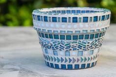 Mosaic Garden Pot - Mosaic Vase - Mosaic Planter in Teal by KBloomMosaics Mosaic Planters, Mosaic Garden Art, Mosaic Vase, Mosaic Tile Art, Mosaic Flower Pots, Pebble Mosaic, Mosaic Diy, Mosaic Crafts, Mosaic Projects