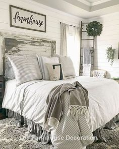 34 Beautiful Farmhouse Bedroom Design Ideas Match For Any Home Design - Trendehouse Home Decor Bedroom, Chic Bedroom, Master Bedrooms Decor, Bedroom Decor, Home, Farmhouse Bedroom Decor, Farm House Living Room, Modern Bedroom, Home Decor