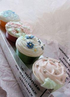 しゅわしゅわカップケーキのフラワーバスフィズレッスン|新潟 手作り石鹸の作り方教室 アロマセラピーのやさしい時間