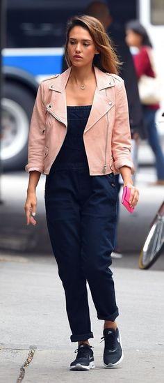 Celebrity Casual Style: Inspiration For Your Off-Duty Wardrobe