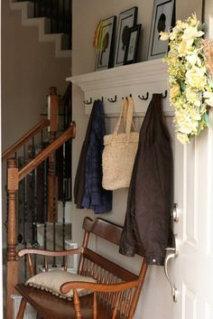 P A J A M A M A M A    A DIY & Homeschool Blog: Before and After: Our Entryway Mudroom