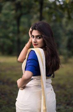 Onam Saree, Kerala Saree, Beauty Full Girl, Beauty Women, Photoshoot Pics, Celebrity Photographers, Saree Models, Beauty Pageant, South Indian Actress