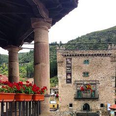 Torre del infantado. Potes.  Recordad que hoy comienzan las Fiesras de la Cruz 2015. Podéis ver la programación en : http://ift.tt/1M11tNO #potes #liebana #torredelinfantado #cantabriasan #cantabriayturismo #Cantabria_y_turismo #cantabricamente #cantabriainfinita #igerscantabria #cantabria #turismo #estaes_cantabria #estaescantabria #cantabriapaísdelagua #cantabriagrafias #fotocantabria #thisiscantabria #follow #picoftheday #instapic #fotodeldia #paseúcos #paseucos #natura_cantabria…